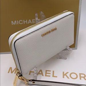 Michael Kors Jet Set Travel Phone Wallet Wristlet